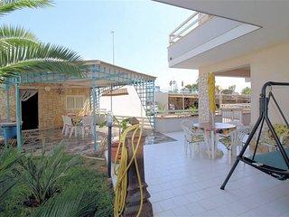 Appartamento con veranda e giardino