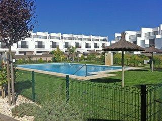 Chalet adosado de Diseno al lado de la playa, urb. privada, piscina comunitaria