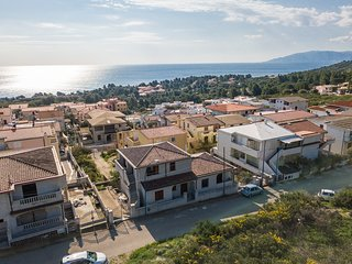 CASA PAPAVERO: holiday home with sea view