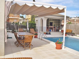Holiday apartment with free wifi and private pool in Calafell, Costa Dorada – CD