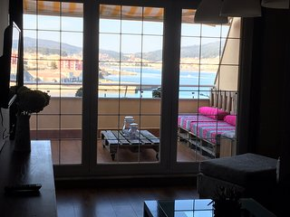 Apartamento con terraza al lado de la playa