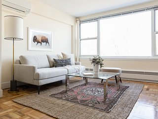 Sonder | Beacon Street | Calming 1BR + Gym