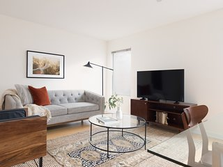 Contemporary 2BR in Downtown Crossing by Sonder