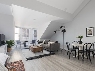 Lovely Loft in Downtown Crossing by Sonder