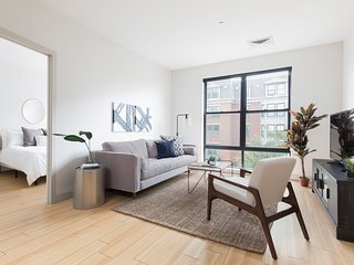 Bright 2BR in Seaport by Sonder