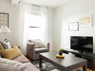 Simple 1BR in Theater District by Sonder