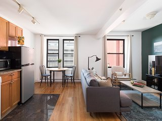 Classic 1BR in Theater District by Sonder