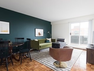 Sonder | JFK Historic Site | Warm 2BR + Balcony