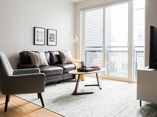 Sonder | Seaport District | Calming 1BR + Laundry