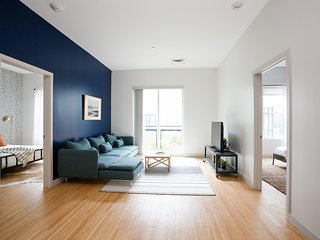 Sonder | Seaport District | Bold 2BR + Laundry