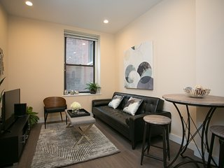 Sonder | Winthrop Square | Warm 1BR + Laundry