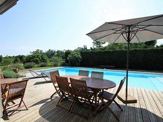 Villa Gourrèges, standing et piscine aux portes de Bordeaux