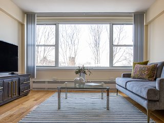 Sonder | Beacon Street | Beautiful 1BR + Gym