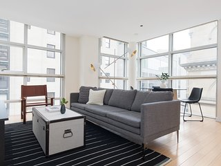 Sophisticated 2BR in Downtown Crossing by Sonder