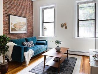 Charming 2BR in South End by Sonder