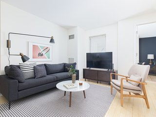 Sonder | Emerson | Pleasant 2BR + Laundry
