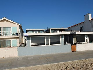 Prime Oceanfront Location - Lower Unit - Large Patio Right Boardwalk!