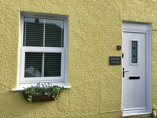 Crab Pier Cottage Central Beaumaris Stylishly Furnished