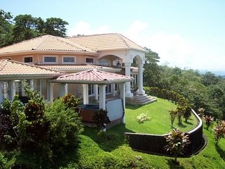 'Casa Grande' Arenal Springs Villas by the Lake...'Our Finest