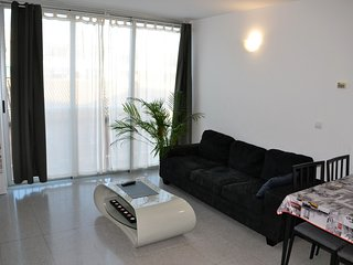 1.2 km from the center of Valencia with Internet, Air conditioning, Lift, Parkin