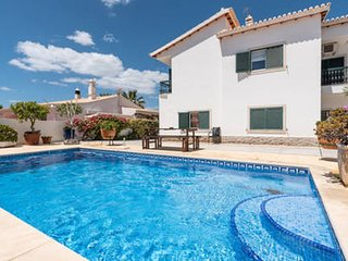 Studio apartment 832 m from the center of Albufeira with Pool, Parking, Garden,