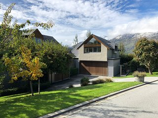 Distinctive Executive Luxury Family Home