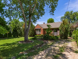Cozy Nashville Cottage - Entire Private Home & Yard - Hip 12 South/Downtown