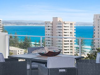 Dbah Unit 13 - On the hill with 180 degree views overlooking Rainbow Bay Coolang