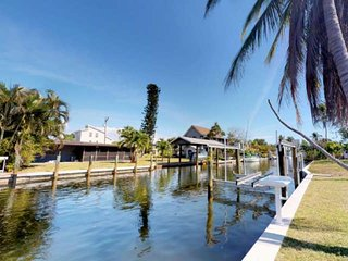 THREE Minutes to Open Water! Fantastic, Remodeled Fishing Retreat on Gulf-Access