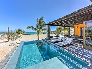 NEW-Luxury Los Barriles Villa on the Sea of Cortez