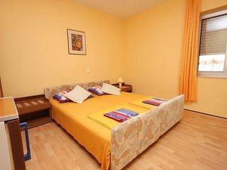 Room Makarska (S-6834-a)