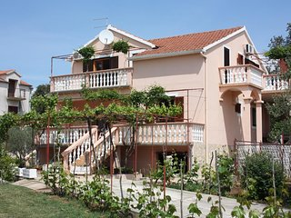 One bedroom apartment Turanj, Biograd (A-6197-a)