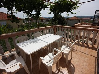 Turanj Apartment Sleeps 2 with Air Con and WiFi - 5465511