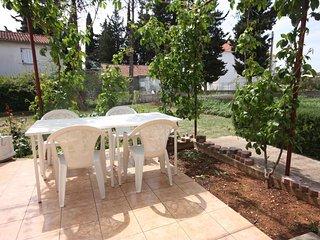 Turanj Apartment Sleeps 2 with WiFi - 5465510