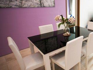 KL SOHO Suites, KL Tower view 3r2b, 8pax 吉隆坡市中心 双子塔 3房2浴室舒适豪华公寓