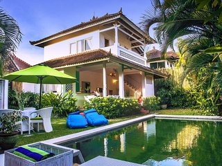 Tropical 3 Bedroom Villa Close to Oberoi Beach