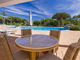 Ancao Amazing Holiday House Pool Tennis  Close to the beach Vale do Lobo
