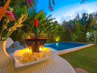 Exotic 3 Bedrooms with Private Pool Villa in Oberoi, Seminyak