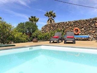 Casa Sur, vista mar volcanes & piscina climatizada
