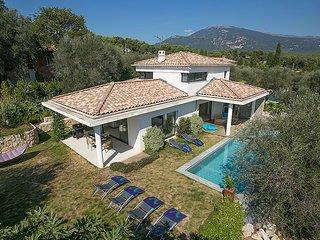 3 bedroom Villa in Étoile-Saint-Cyrice, Provence-Alpes-Côte d'Azur, France : ref