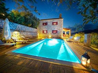 2 bedroom Villa in Platreithias, Ionian Islands, Greece : ref 5604841