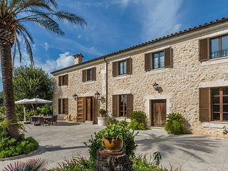 7 bedroom Villa in sa Pobla, Balearic Islands, Spain : ref 5604644
