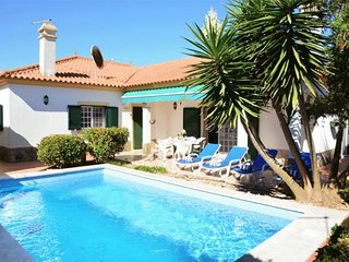4 bedroom Villa in Vila Fresca, Setúbal, Portugal : ref 5491665