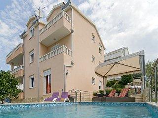9 bedroom Villa in Okrug Gornji, Splitsko-Dalmatinska Zupanija, Croatia : ref 54