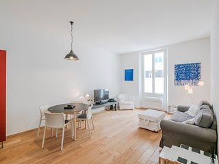 Two Bedroom Apartment Close to the Palais