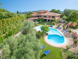 6 bedroom Villa in Ponterio-Pian di Porto, Umbria, Italy : ref 5604875