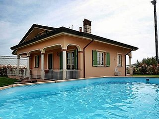6 bedroom Villa in Tombolo, Tuscany, Italy : ref 5491344