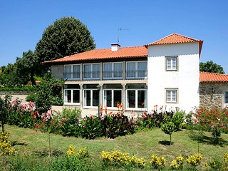 6 bedroom Villa in Fontainha, Braga, Portugal : ref 5604748