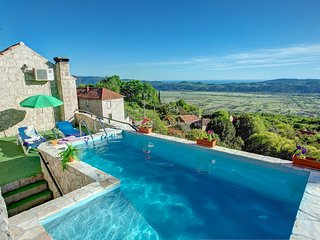 2 bedroom Villa in Mihanici, Dubrovacko-Neretvanska Zupanija, Croatia : ref 5604