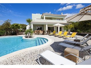 4 bedroom Villa in Carvoeiro, Faro, Portugal : ref 5491496